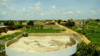 LO-KOUNDA-27-AGOSTO-2017---spazi-in-cui-verrà-creata-la-sala-polivalente-del-progetto-talibe'